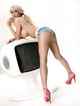 Sophie Reade only in Nuts co  uk 51  0 Sophie Reade