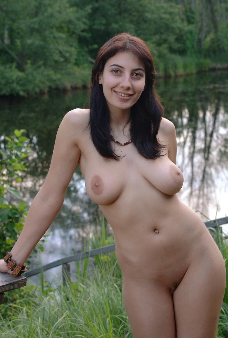 Фото голых женщин кавказа 8 фотография
