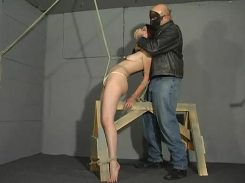 Alyssa pusy tortur