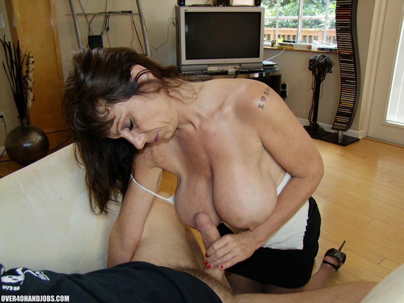 Сасать сиску у женщин 1 фотография